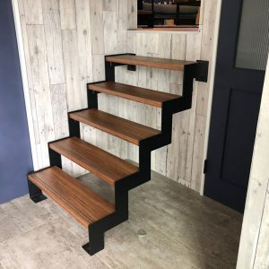 注文住宅事例N邸 オリジナル階段
